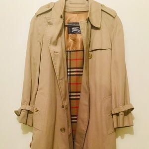 Authentic Vintage Women's Burberry Trench Coat 10L